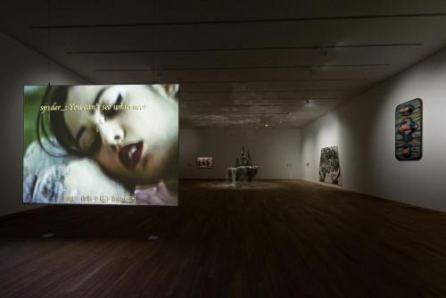 展覽場景:「幽靈維面—電馭叛客在未來之年」。