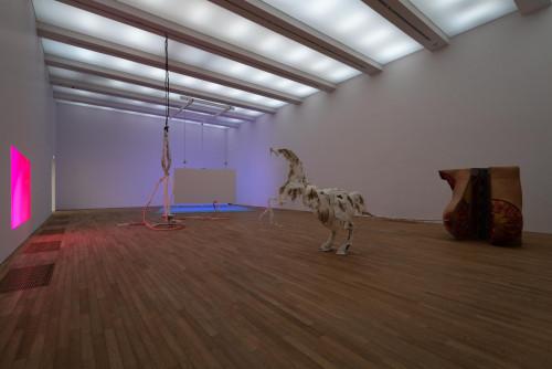 展覽場景:Raphaela Vogel,於「表演社會:性別的暴力言語不通」。 鳴謝:BQ, Berlin & Raphaela Vogel。