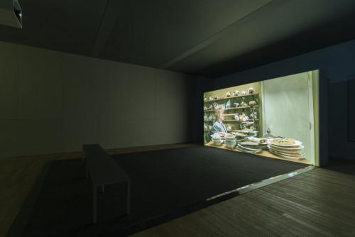 Mika Rottenberg,《沒有鼻子知道》,2015年。